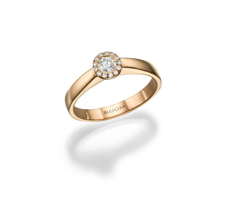 טבעת אירוסים עם יהלום