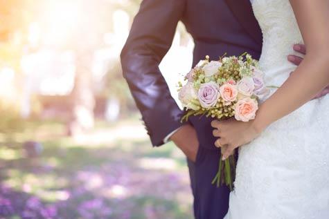 חתונת בזק חוסכת בעלויות