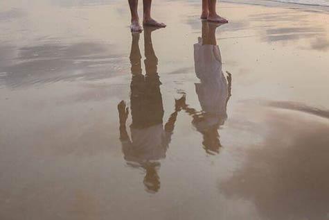 השתקפות על החול - צילום