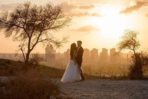 צילומי זוגיות בשקיעה רומנטית