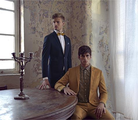 חליפות חתן בצבעי חרדל וכחול כהה