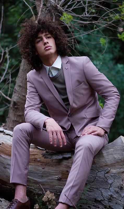 חליפה שיקית ללא עניבה
