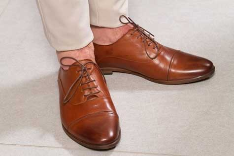 נעליים מבריקות