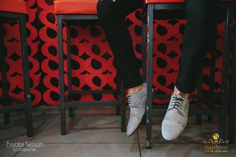 נעליים מיוחדות לשבירת המראה הקז'ואל
