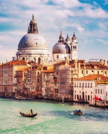 ירח דבש בוונציה: יש יותר רומנטי מזה?