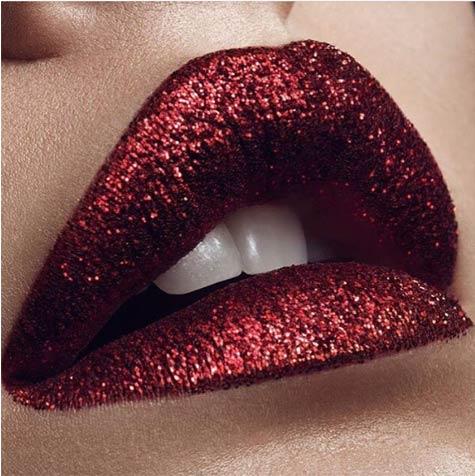 שפתיים מנצנצות
