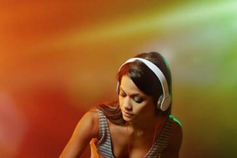 5 טיפים לבחירת תקליטן מומלץ לחתונה שלכם, מוזיקה