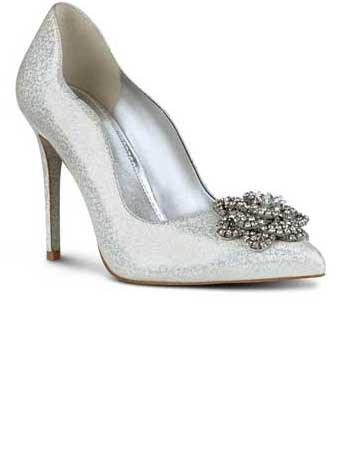 לצעוד בשיק בדרך אל האושר: נעלי כלה לקיץ