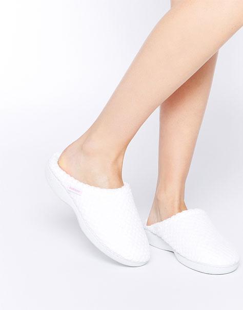 נעלי בית עם גימור של כפכף גומי למקווה