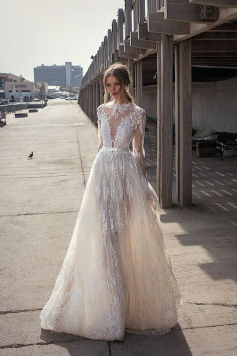 שמלת כלה תפוחה קלאסית עם מפתח ומותן גבוהה