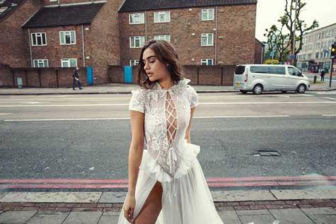 שמלת כלה בשרוול קצר