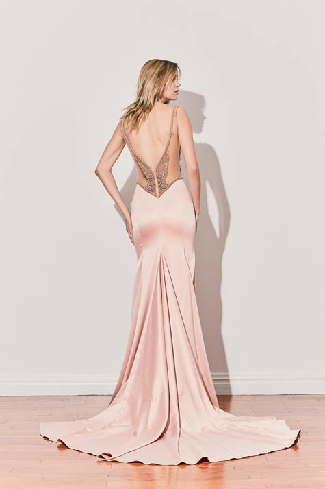 שמלת ערב עם מחשוף גב