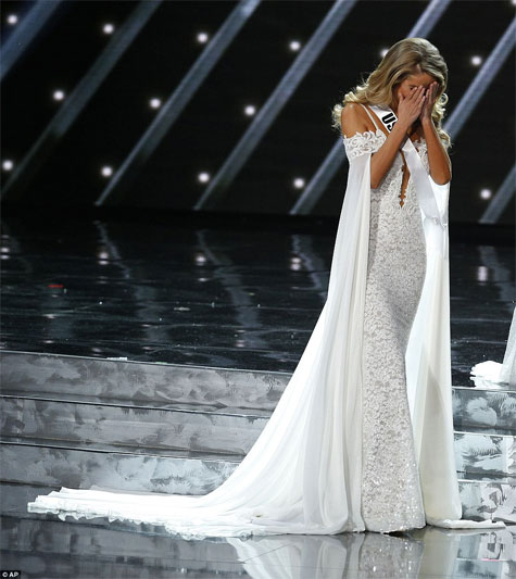 """מיס ארה""""ב בתחרות מיס יוניברס"""