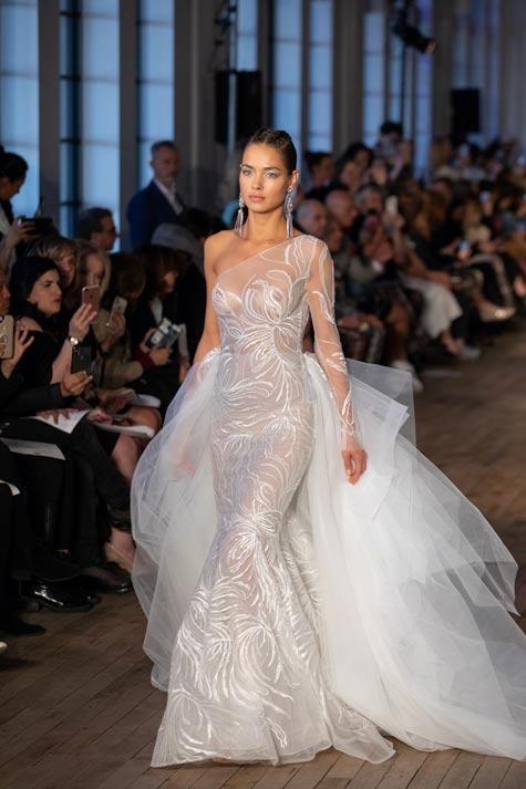 שמלת כלה בעיצובה של ברטה