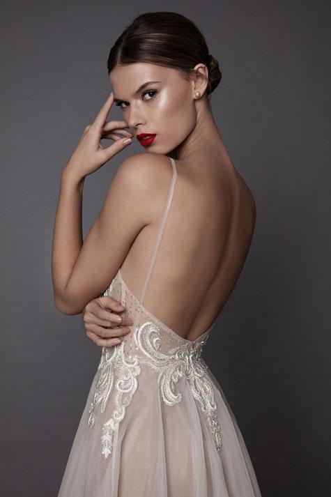מראה השמלה ה-1