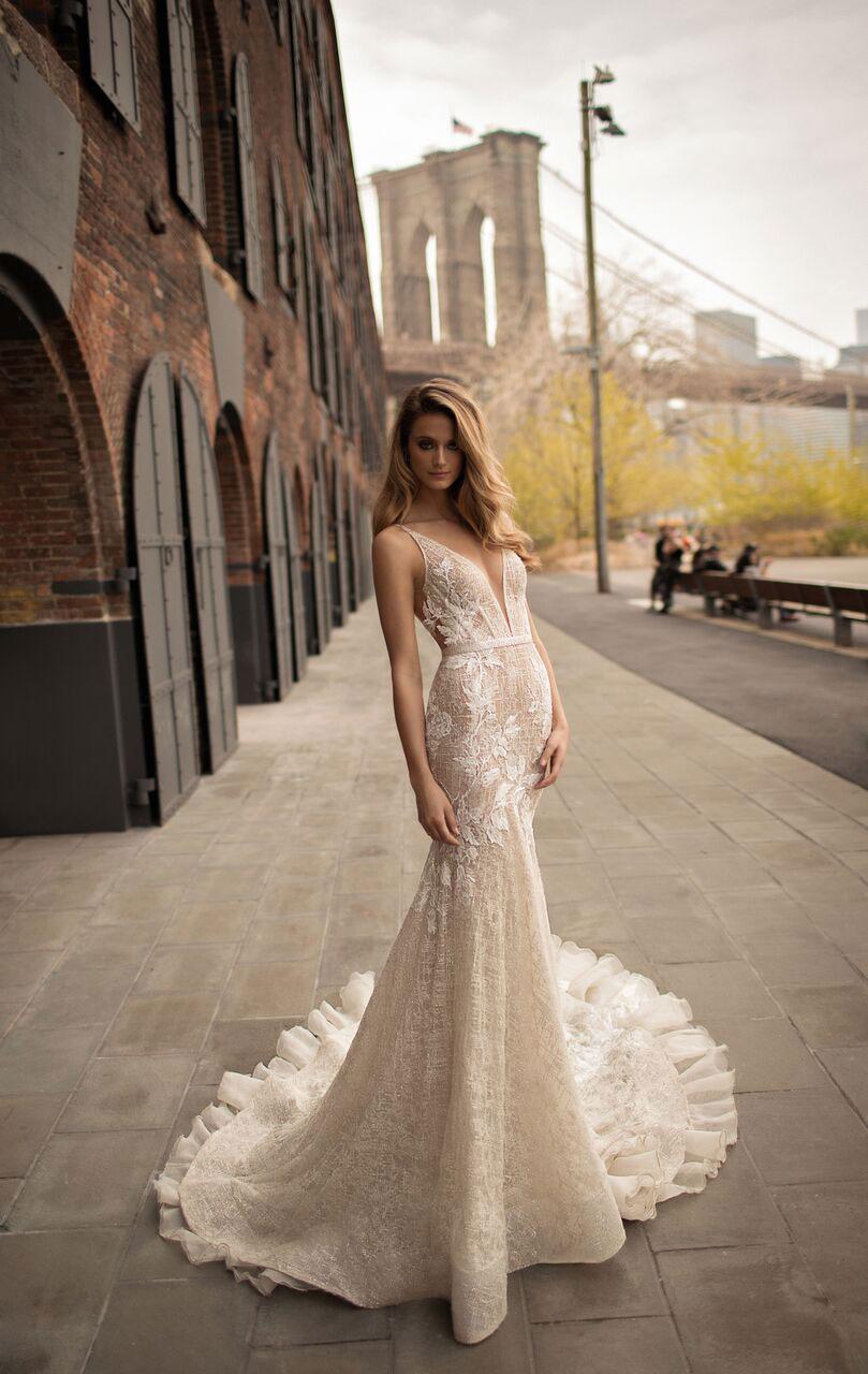 שמלת כלה עם מותן גבוהה