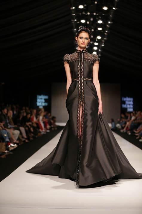 שמלת ערב ארוכה שחורה