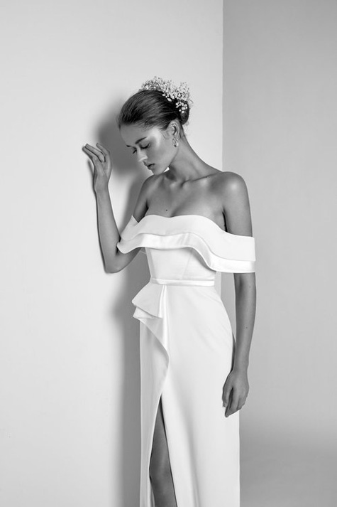 שמלת כלה נקייה ואלגנטית
