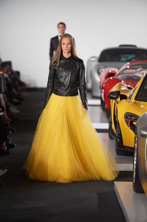 חצאית טול צהובה