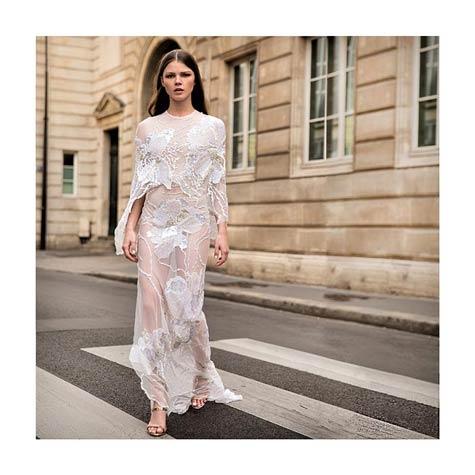 שמלת כלה עם שרוולים ארוכים ושיק אירופאי