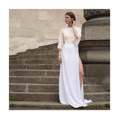 שמלת כלה עם שסע צדדי גבוה