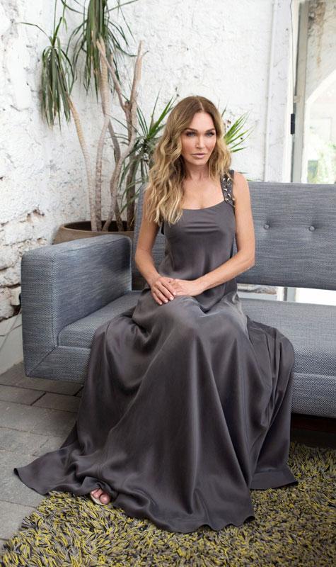 שמלת ערב אפורה