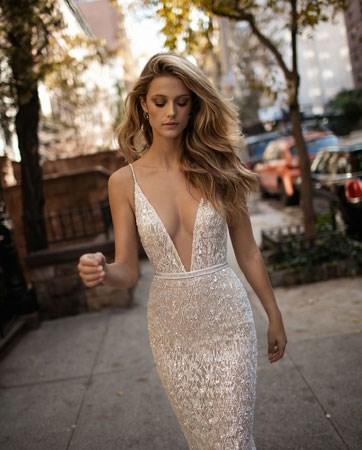 שמלה ממבט ראשון: שמלת הכלה של ברטה בהופעת בכורה
