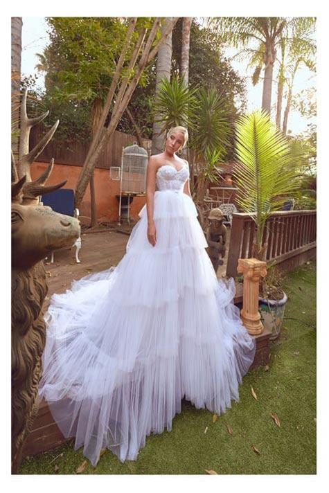 שמלת כלה עם מחוך סטרפלס