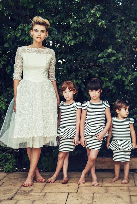 שמלת כלה: אסתר ובלנקה. שמלת שושבינות: H&M