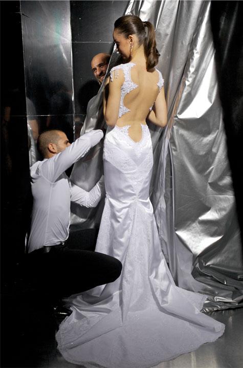 אליהב עם שמלה נוספת. צילום: סטודיו דרור כץ