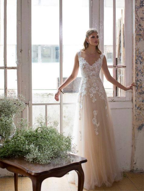 שמלת כלה מיוחדת בצבעי פודרה