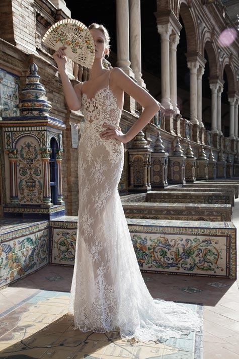 שמלת כלה בעלת משחקי שקיפויות