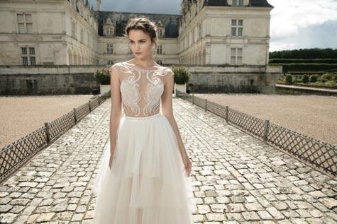 שמלת כלה בעלת חלק עליון בשילוב תחרה
