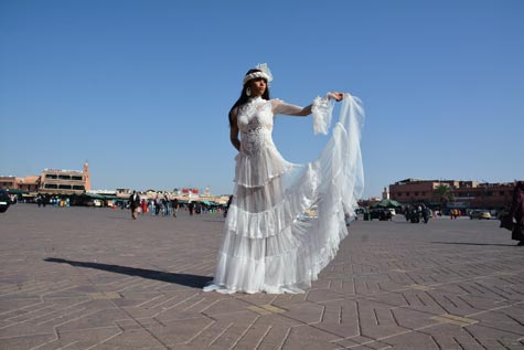 שמלת כלה עם משחקי שקיפויות