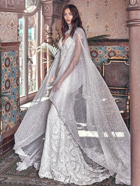 שמלת כלה עם גלימה מנצנצת