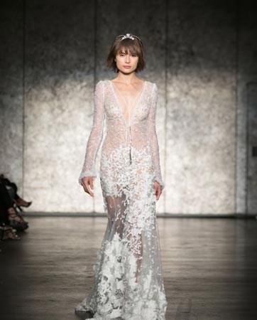 קלאסיקה, רומנטיקה וסקס אפיל: שמלות כלה 2018