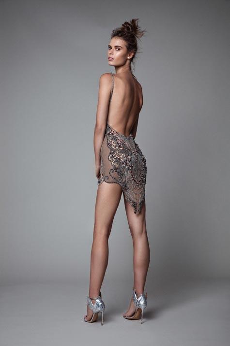 שמלת כלה - מבט אחורי