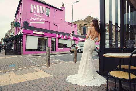 שמלת כלה במראה צמוד ומחמיא