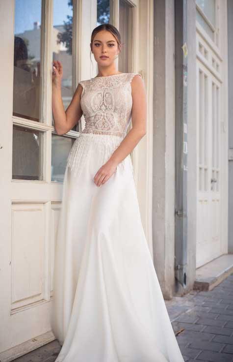 שמלת שמלה עם חלק עליון סגור